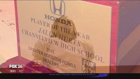 Channelview's Jalen Hurts wins Greater Houston Honda Player of the Year