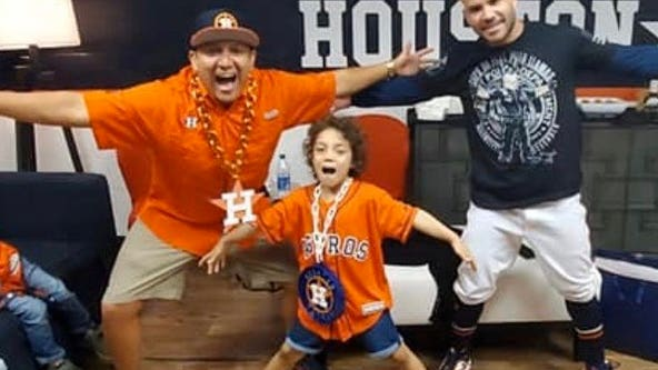 Abigail Arias meets 'her hero' Jose Altuve before World Series game