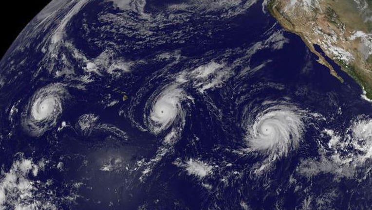 a9fc8f8a-Three Pacific hurricanes-407068