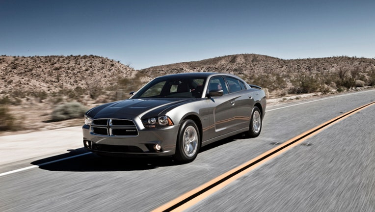 2d5ceb15-2012-dodge-charger_1461428917768_1219284_ver1.0_1461461763390.jpg