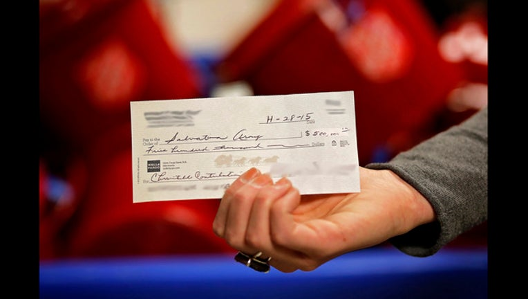 33540cf6-$500,000 Salvation Army check-409162
