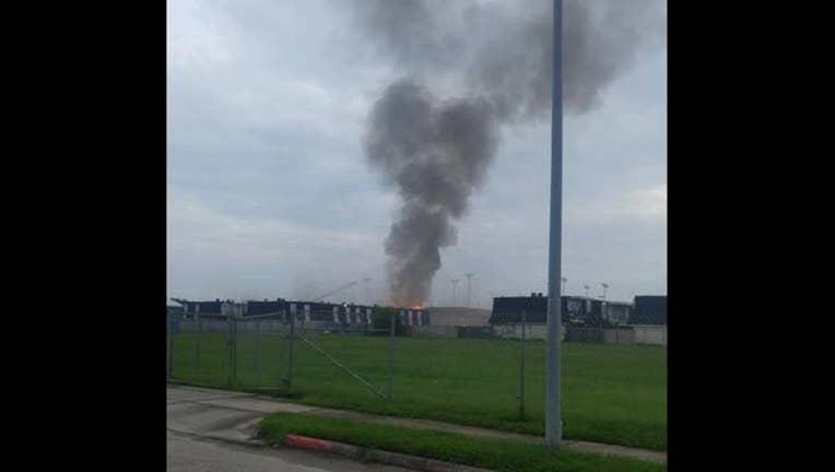 7365109a-311 apartment fire-1_1472308753996.jpg