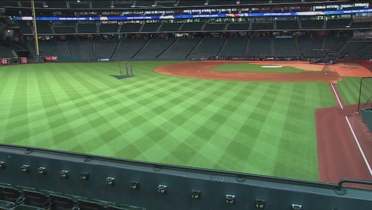 A_day_at_Minute_Maid_Park_10_20150928042114