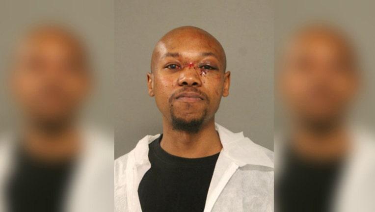 ee09eb89-CTA disembowel suspect Darnell Scott-404023