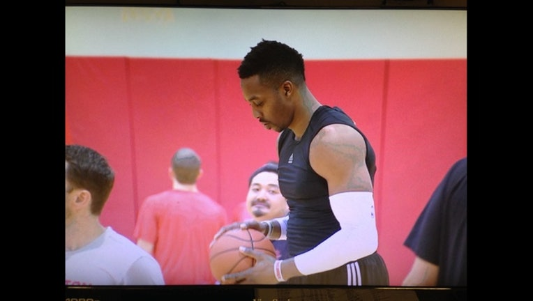 76451497-Dwight_Howard_responds_to_contract_quest_0_20150930214057