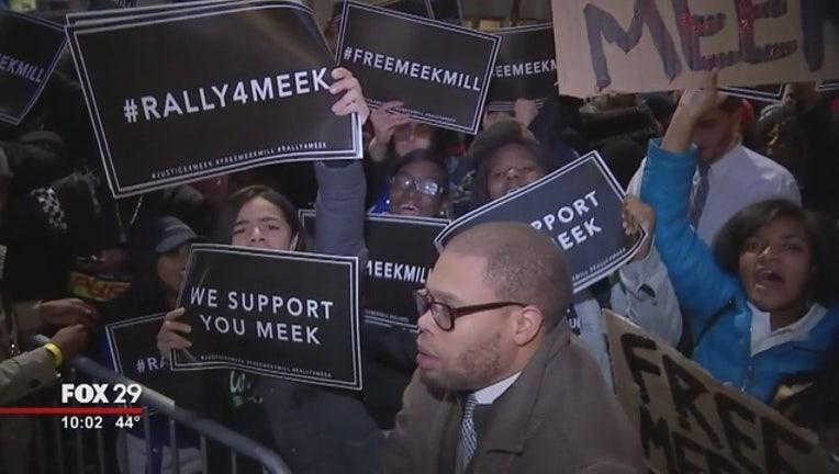 5fd8b98a-Free_Meek_Mill_Rally_In_Philadelphia_0_20171114030951-401096