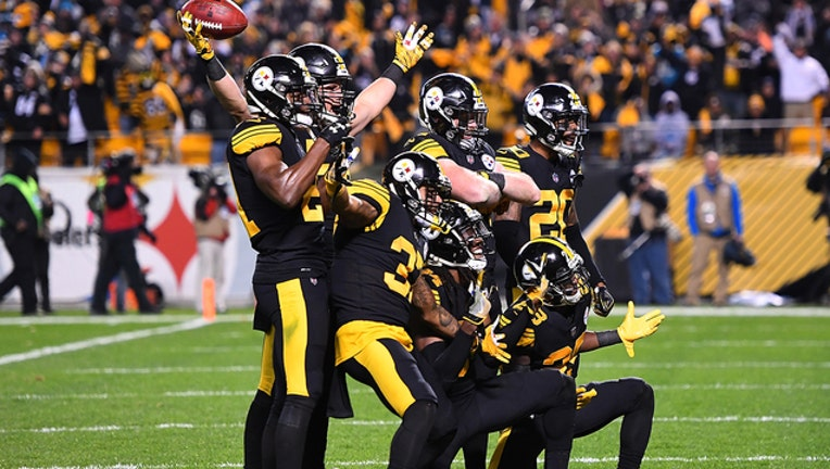 a428c5b7-775192698_steelers_v_panthers_3741-402429.jpg_1541737608375