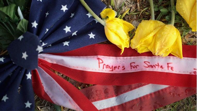 41b6c574-GETTY Santa Fe Texas hs shooting_1536869702502.jpg-407693.jpg