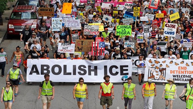 7c56920e-ICEprotestsGETTY1161814028_1563130575314-407068