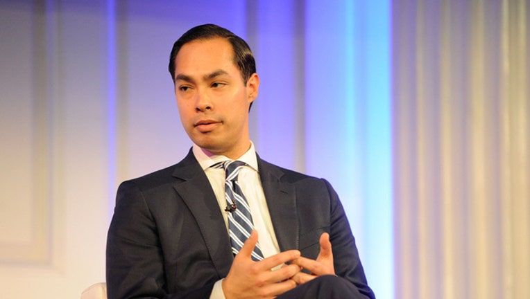 a5d41fe0-GETTY Julian Castro 101618-408200