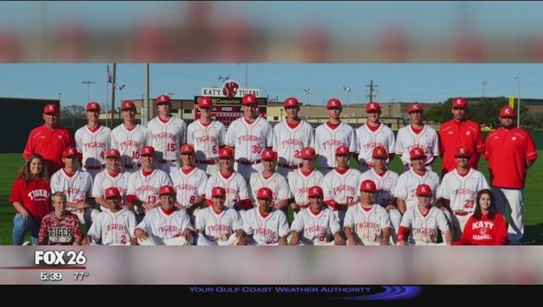 Katy_baseball_players_accused_of_coachin_0_20160415235619