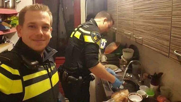 7d8530ba-Cops Take Care of 5 Children-402970