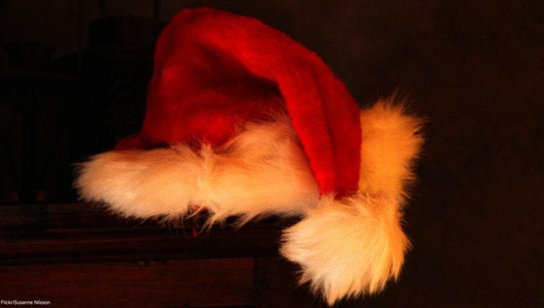 8b0a6873-Santa hat-404023