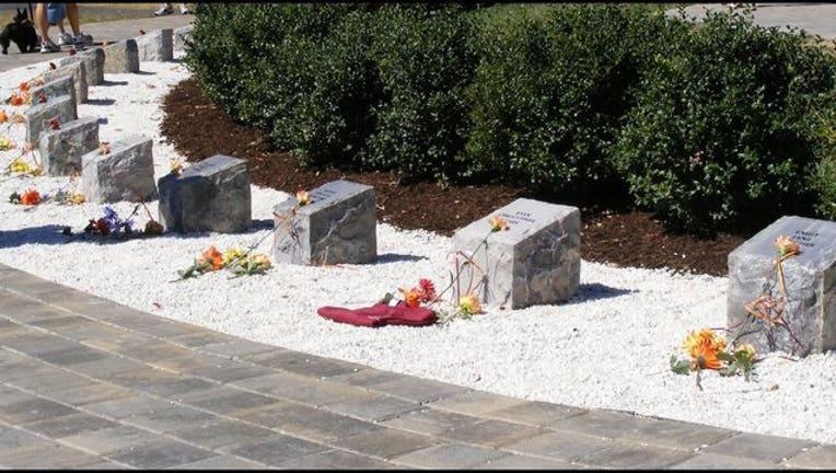 355ad2a9-VT_April_16_memorial 2_1492347727088-404023.jpg