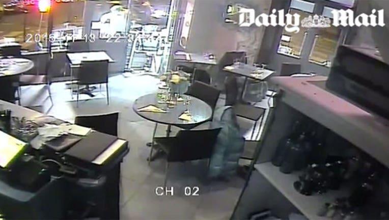 e8327684-Paris Cafe Terror Attack-402970