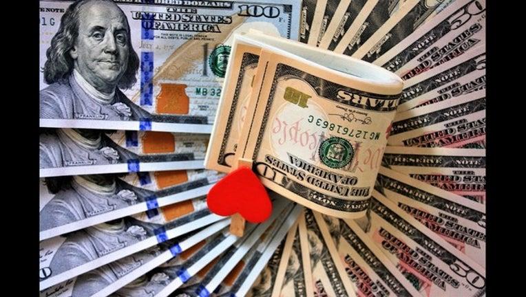 e71e3472-money heart love