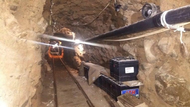 50414fcc-drug-tunnel_1445625309158-402970.jpg
