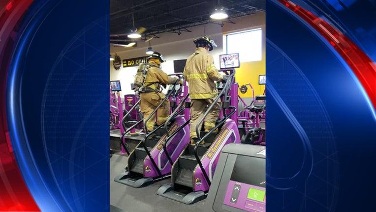 179f277f-firefighters climb stairs_1536692644601.jpg-408200.jpg