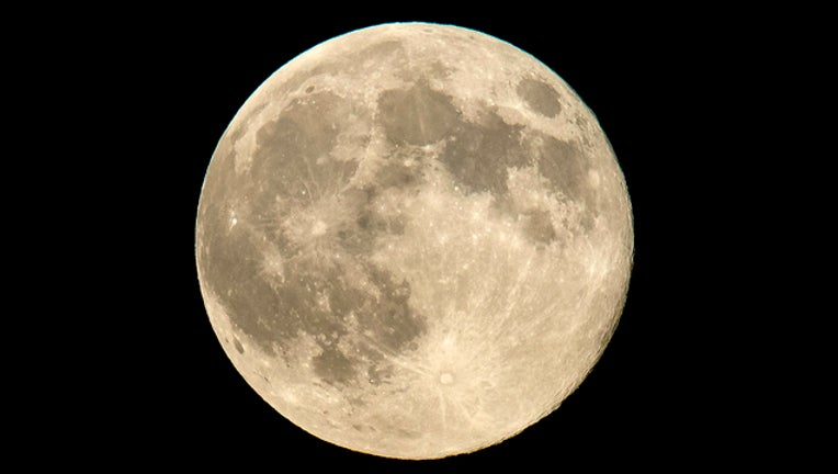 56d2b76c-nasa moon_1514825980032.jpg-401385.jpg