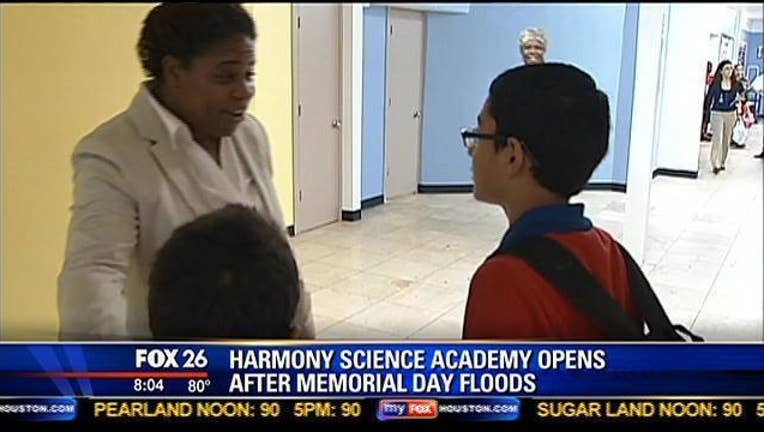 051cacf8-school floods_1439998282174.jpg