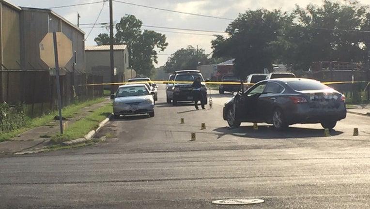 f58ebbc8-Gunshots fired in southeast Houston on May 24, 2016