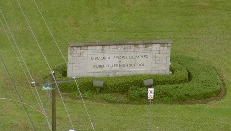 cd8a24f9-Robert E. Lee High School-vlcsnap-00025_1472225987914.jpg