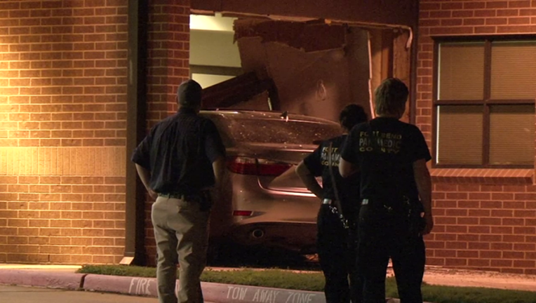 2c028a31-Driver crashes into Fort Bend County Sugar Land Fire Station #6