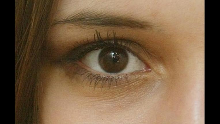 woman's eye_1497998966601.png