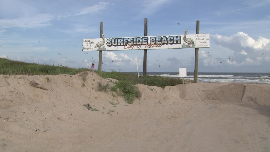 Surfside Beach closed to all vehicular traffic