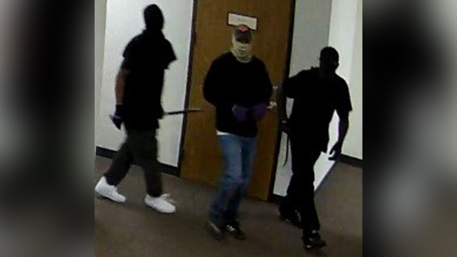 Police searching for suspects after $10,000 in hair products stolen from Houston business