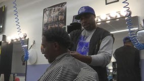 Local barber helping feed community for Thanksgiving