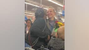 Pop star Sia shocks Walmart shoppers by paying for groceries