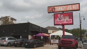 Turkey Leg Hut, Joe Young give away 3,000 turkey legs for Thanksgiving