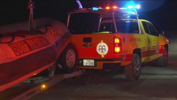 4 rescued after Galveston boat crash stranded passengers on jetty, temperatures threatened hypothermia