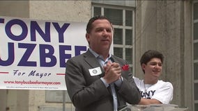 Tony Buzbee taps into voter frustrations as Turner still holds substantial lead