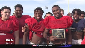 Manvel Mavericks RB Donovan Eaglin helps carry team to 3rd round in playoffs