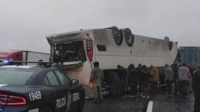2 dead after bus from Houston crashes in Mexico