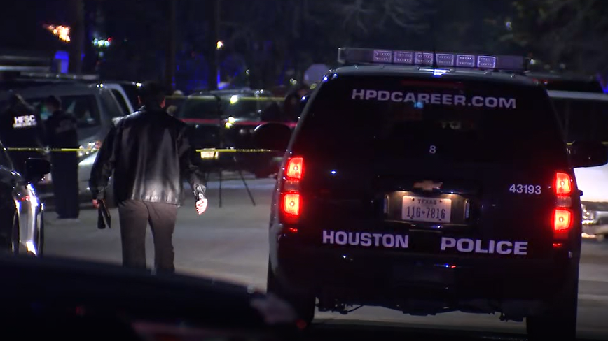 Police officer shot and killed in East Houston, suspect in custody: HPD sources say
