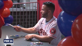 Astros fans attend annual FanFest event after a controversial week