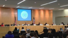 Judge temporarily blocks state takeover of Houston Independent School District