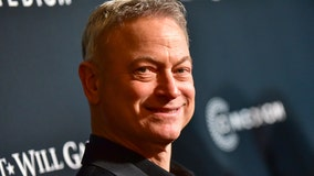 Gary Sinise honored with Patriot Award from the Congressional Medal Of Honor Society for supporting veterans