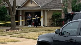 Woman, child found dead in Sugar Land home