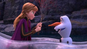 Texas girl adorably sings 'Frozen' song while wearing Elsa costume in snow