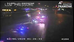 Officers sustain minor injuries in crash on Katy Freeway