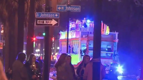 New Orleans agency: 1 fatally struck by Mardi Gras float