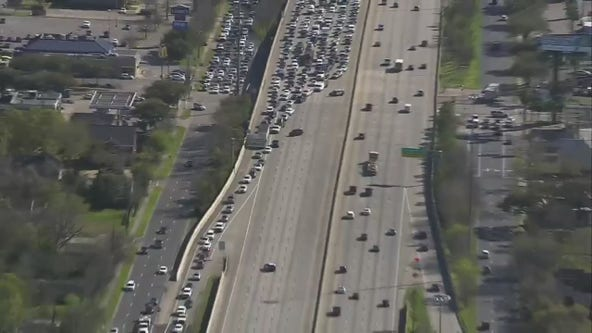 All northbound lanes closed on I-610 Westloop at Evergreen St.
