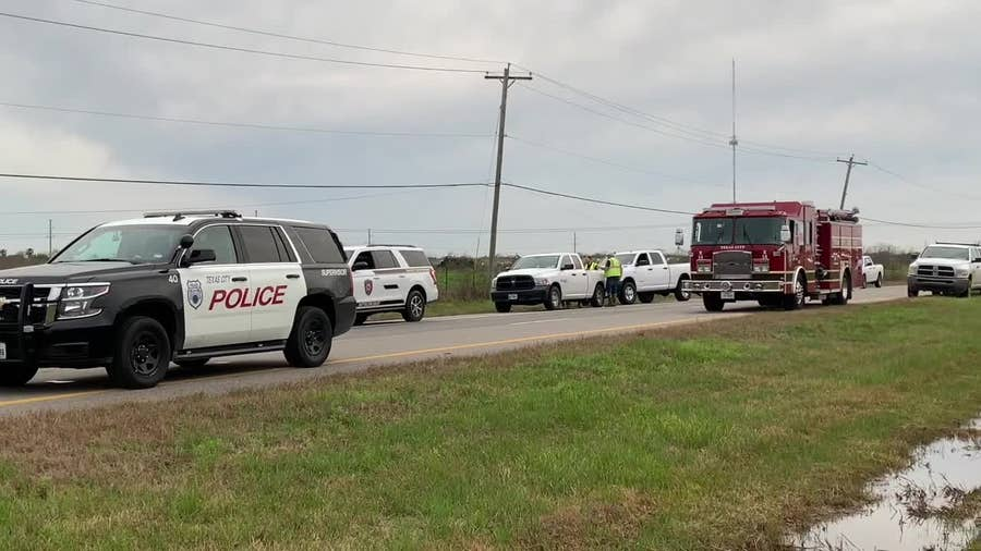 Cleanup underway after oil pipeline leak discovered in Texas City