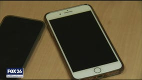 Scammers steal millions remotely hijacking smartphones