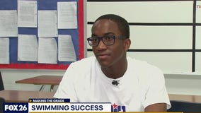 Kashmere High School swimmer is Making the Grade