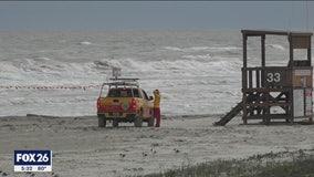 Galveston Island closes public beaches